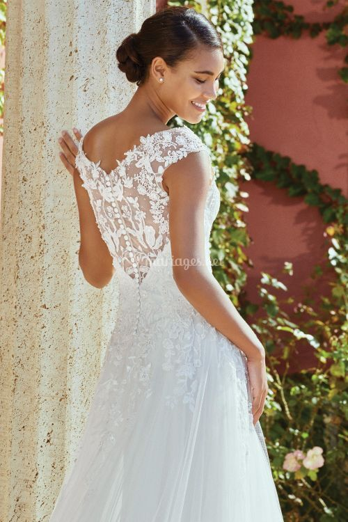 44203, Sincerity Bridal