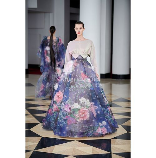 AM 010, Alexis Mabille