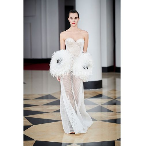 AM 001, Alexis Mabille