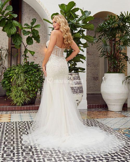 AMANDA, Beloved By Casablanca Bridal