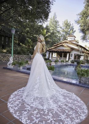Blakelyn, Beloved By Casablanca Bridal