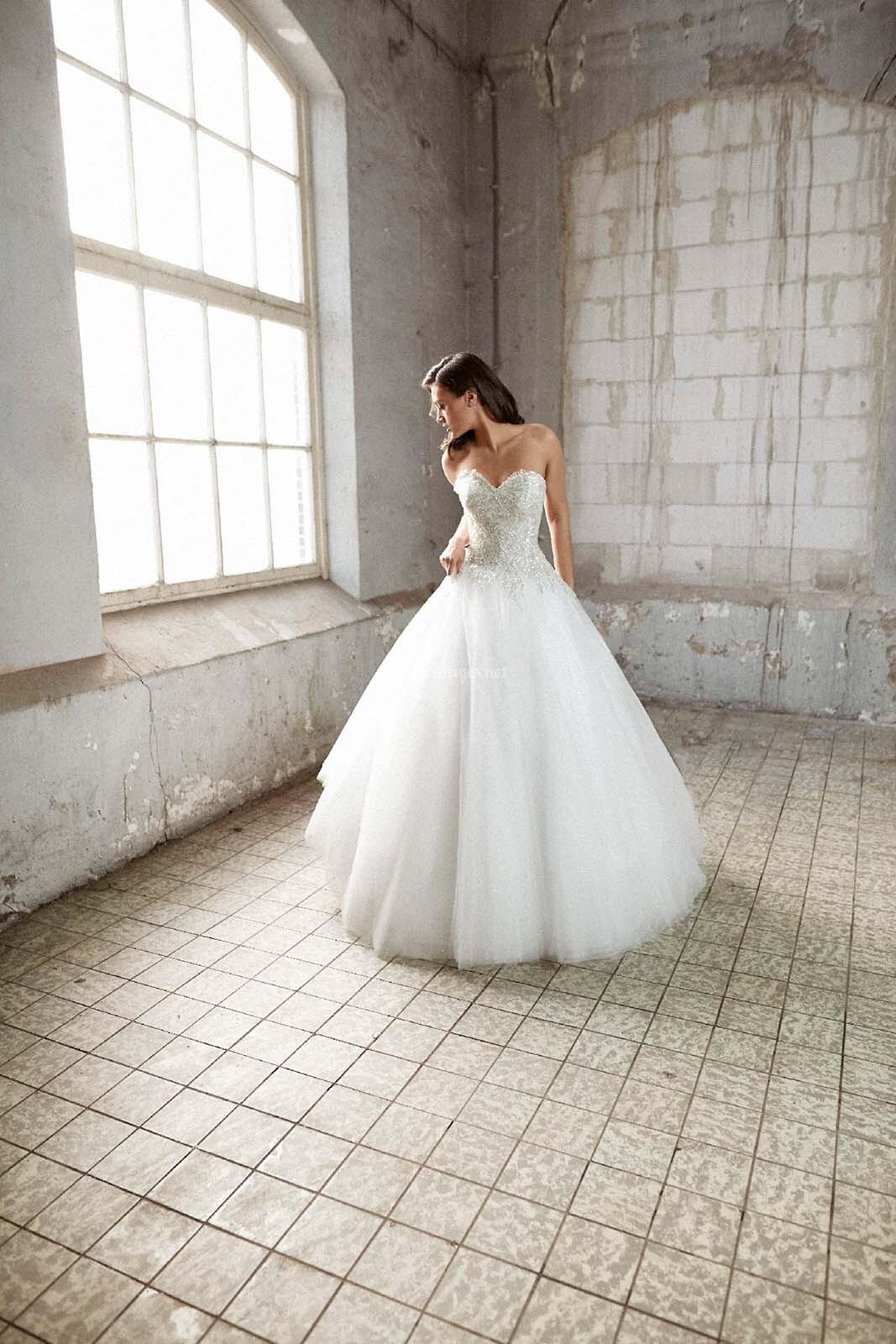 Sur Robes Mariée Bridals Crystalline Auva De UVGLzqSpjM