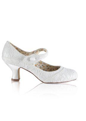 Esta lace, The Perfect Bridal Company