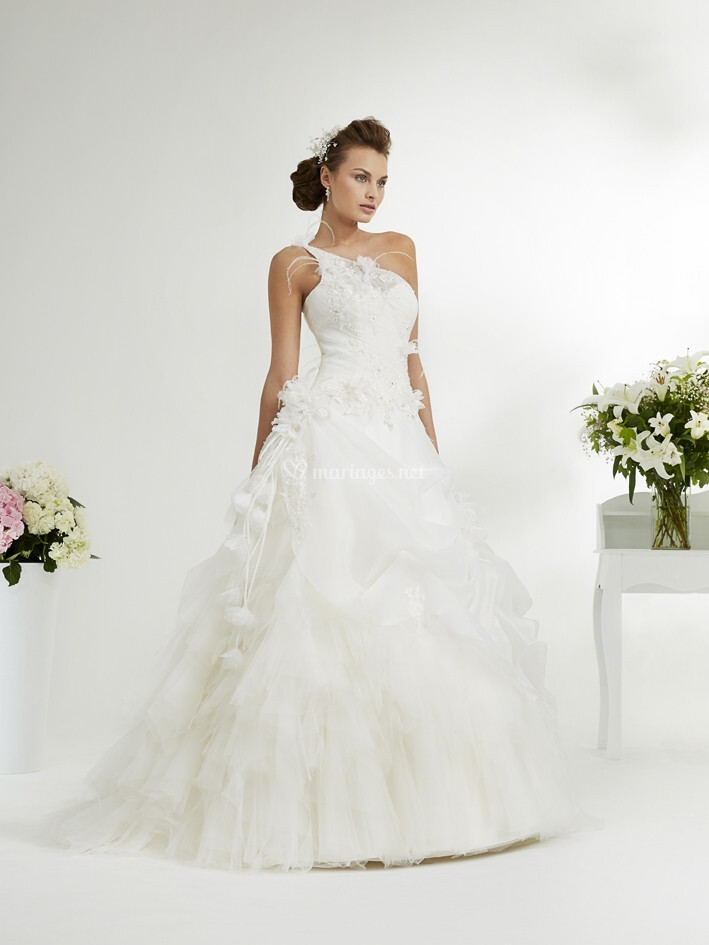 Robes de mari e sur annie couture alicante for Quand les robes de mariage seront elles en vente