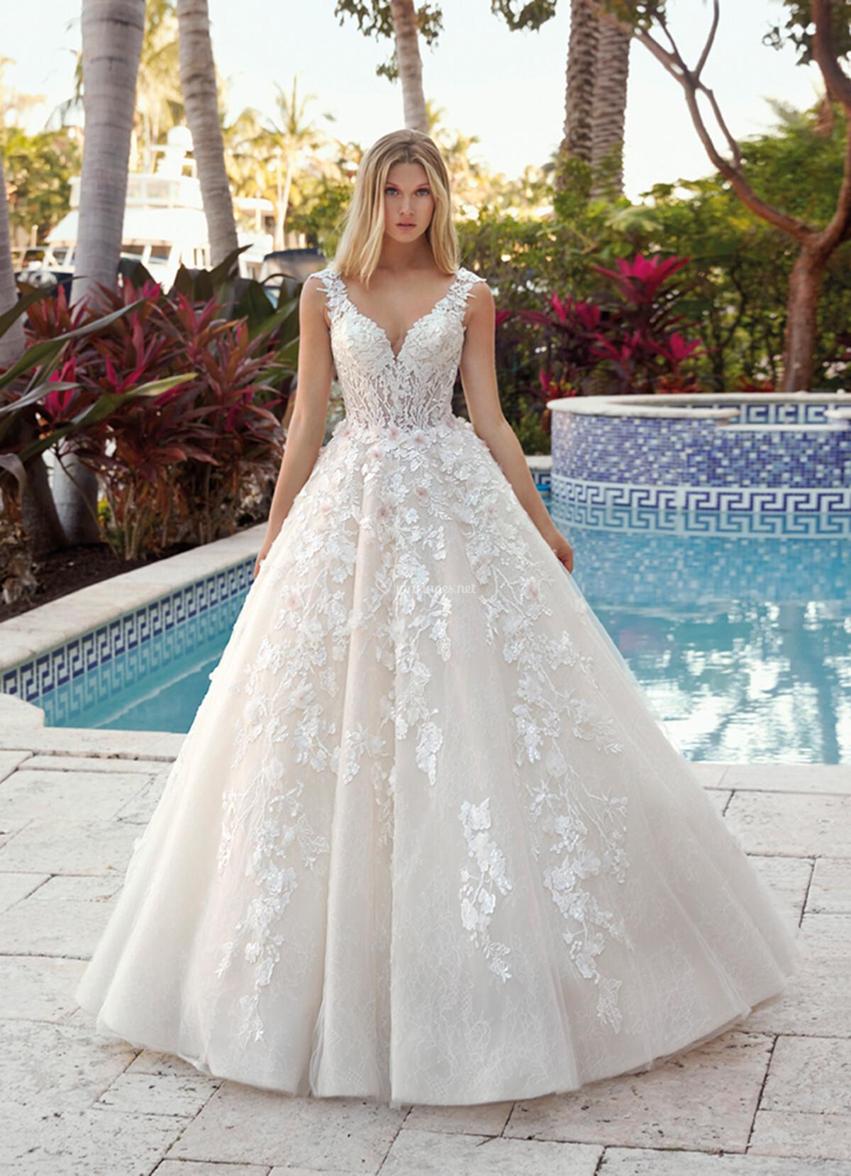 Robes de mariée sur Demetrios - 1022 - Mariages.net