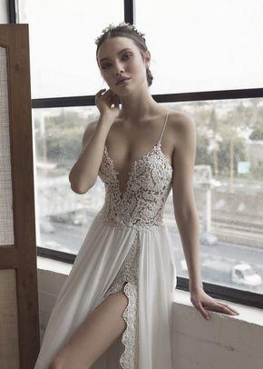 Anastasia, Julie Vino