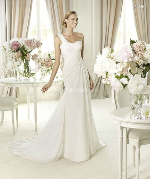 Pronovias Paris Fashion
