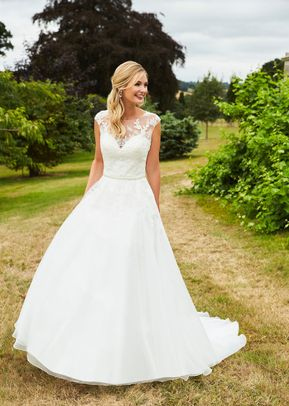 lesley, Romantica of Devon