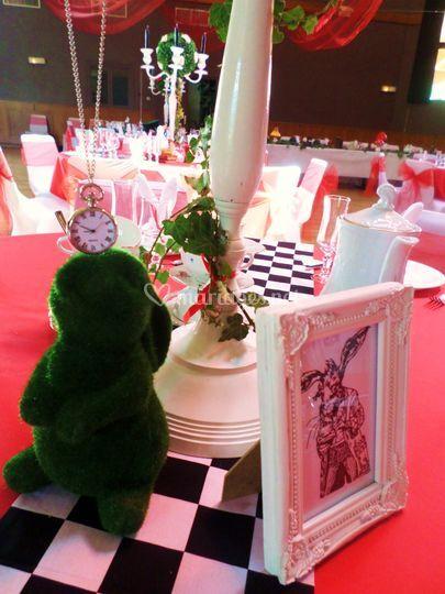 Alice wonderland Table