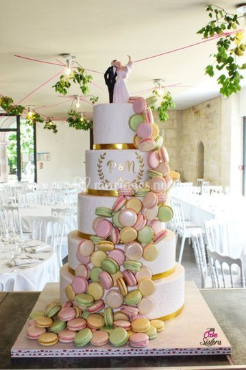 Wedding cake cascade macarons