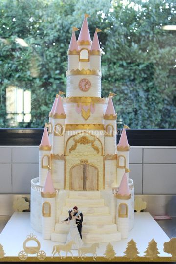 Wedding cake château