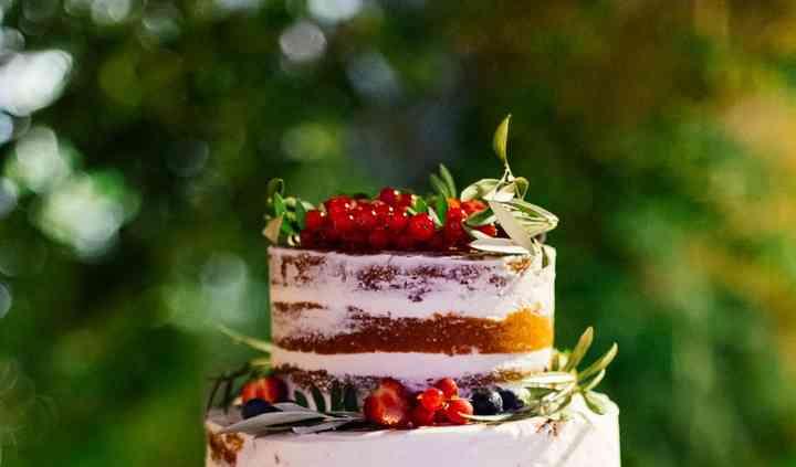 Semi Naked Cake Fruits Rouges