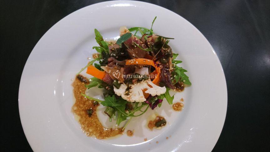Tataki de bonite en salade