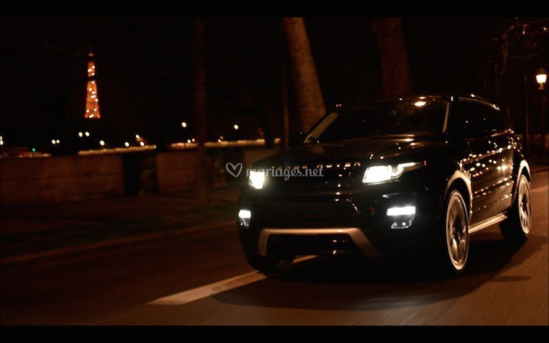 Le Range Rover Evoque by night