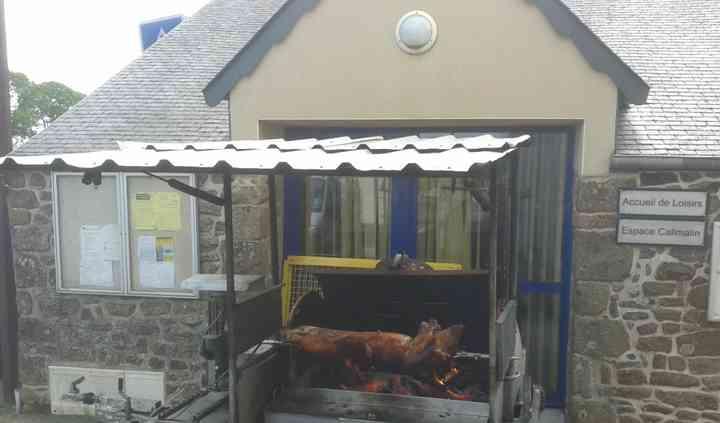 Cochon grillé  pour le retour
