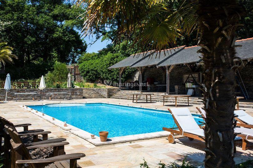 La piscine du Domaine de Bézyl