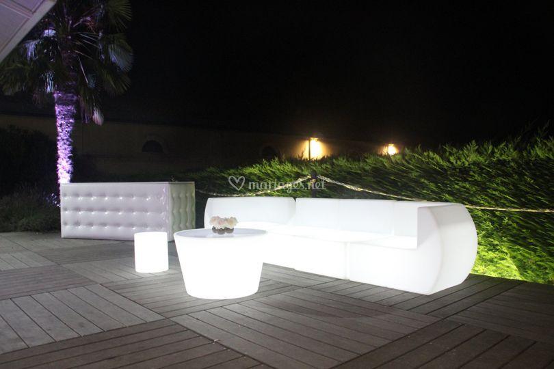 Bar lumineux en terrasse