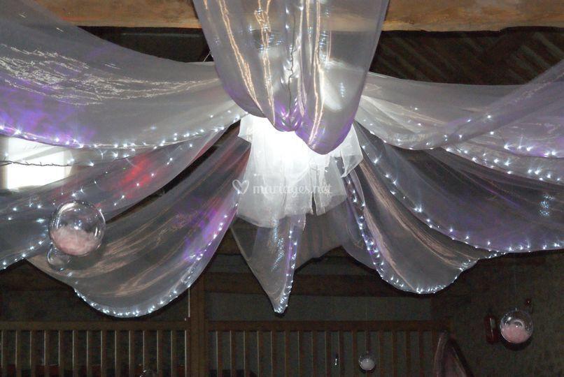 Plafond avec puit de lumière