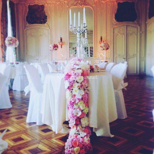 Descente de table en fleurs