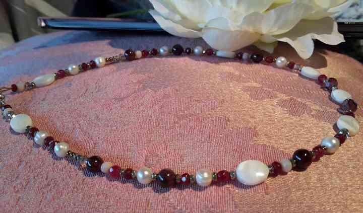 Collier en grenat et perles
