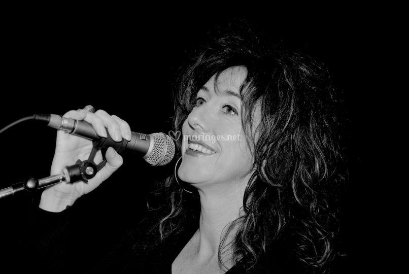 Emmanuelle chanteuse