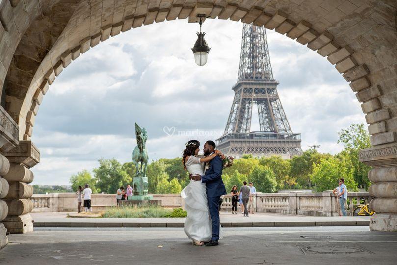 Couple à Paris (Bir Hakeim)