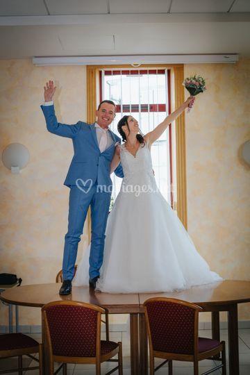Mariés heureux à la mairie !!
