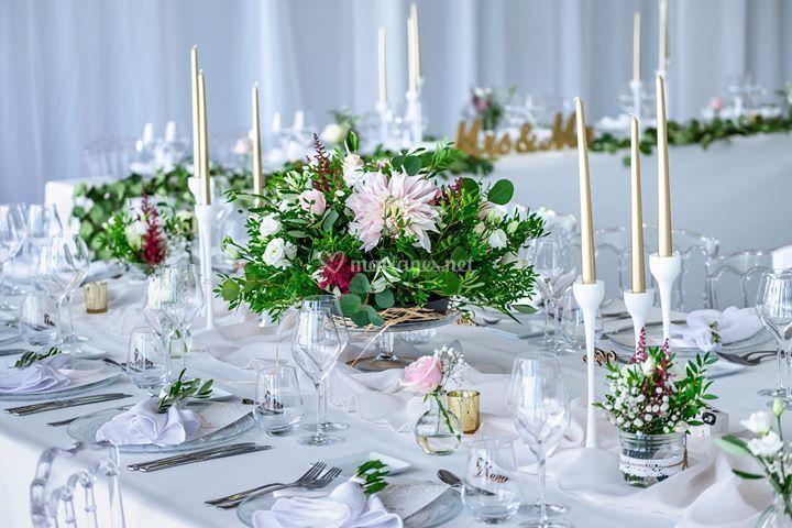Fleurissement d'une table.