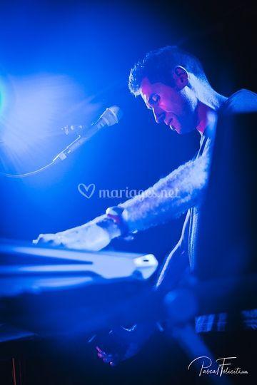 Julien (claviers) ©P. Félicité