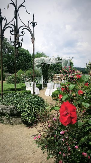 Cérémonie au jardin français