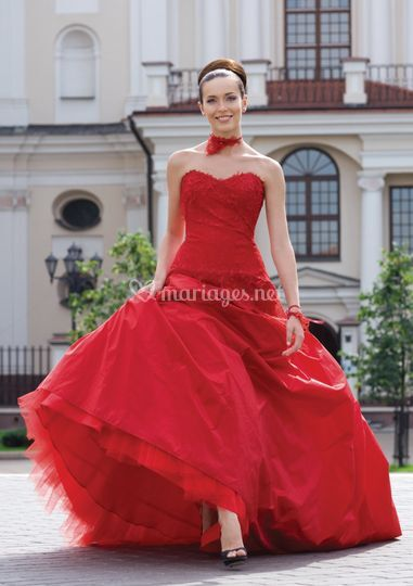 Modelatti en rouge!