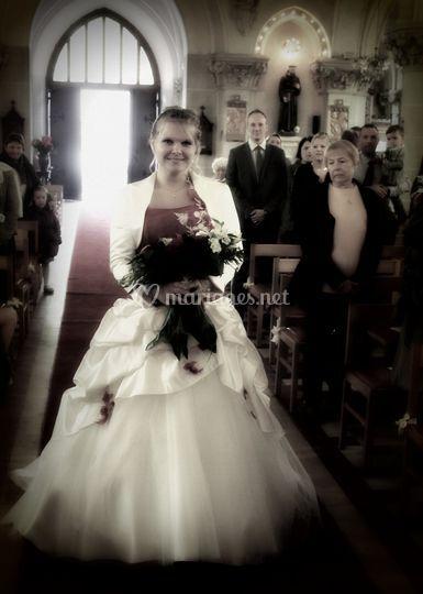 Entrée de la mariée à l'église
