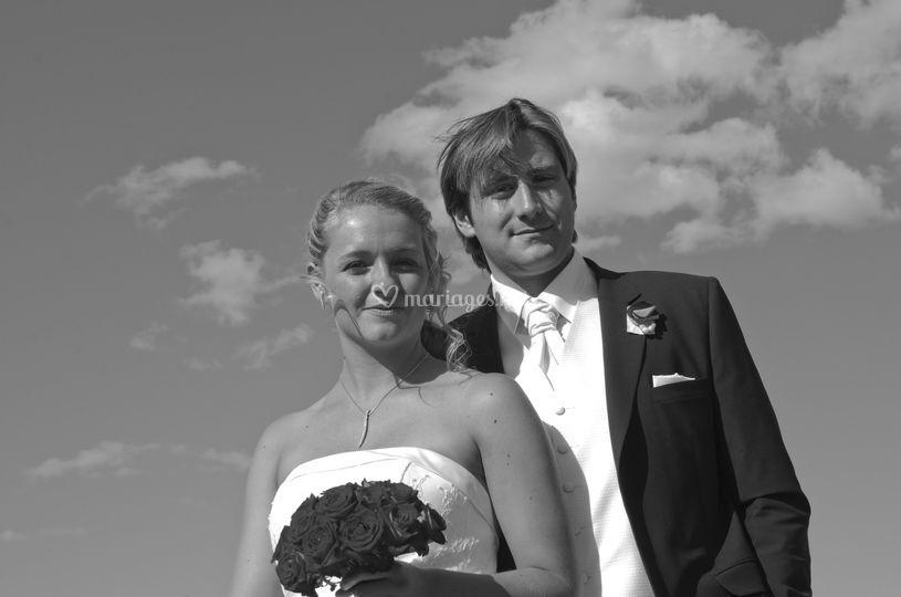 Couple mariage dans les nuages