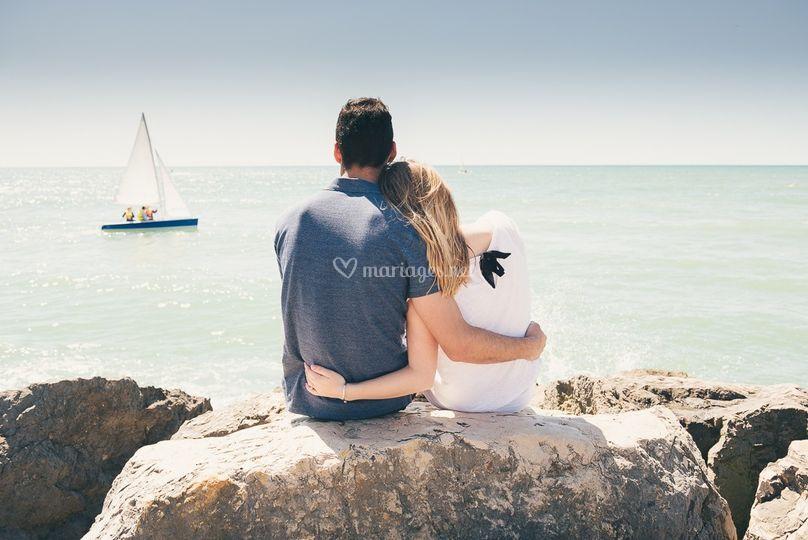 EVJF couple bateau plage