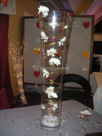 Vase décorée de fleurs
