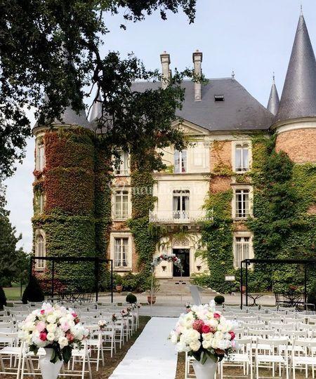 Cérémonie devant le Château