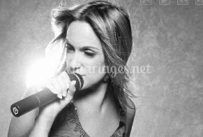 La chanteuse en noir et blanc