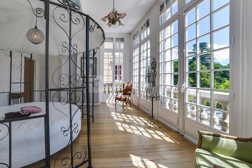 ch teau de clairvans. Black Bedroom Furniture Sets. Home Design Ideas