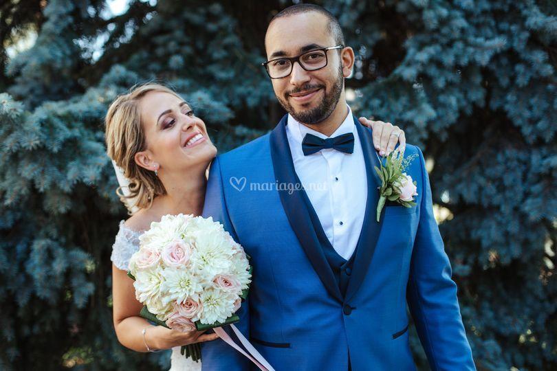 Mariage chalet porte jaune