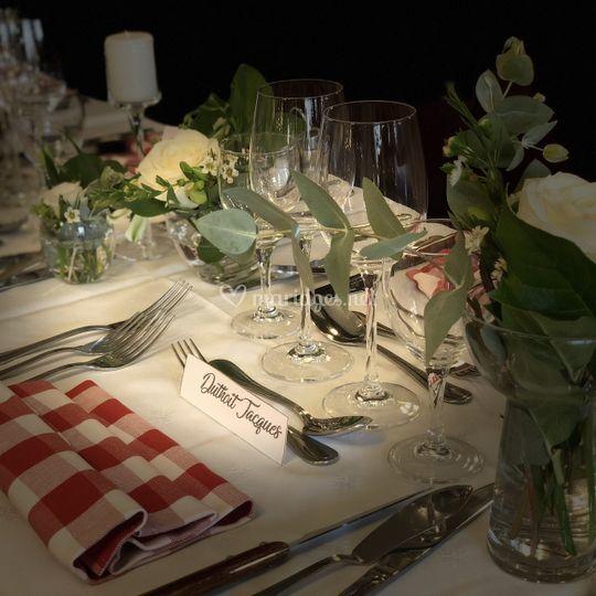 Réception de mariage, en blanc