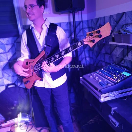 Sims, Soul Bassist