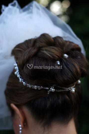 Coiffure avec bijoux de cheveux