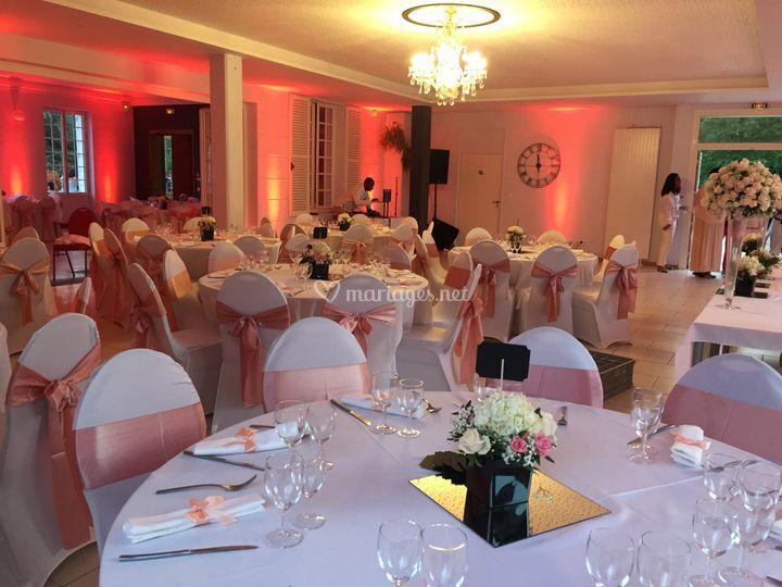 Grande salle repas et danse