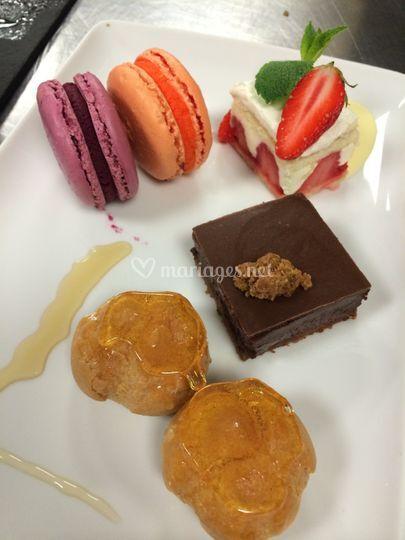 Assiette composée de desserts