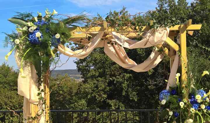 Arche décorée en tissu, fleurs