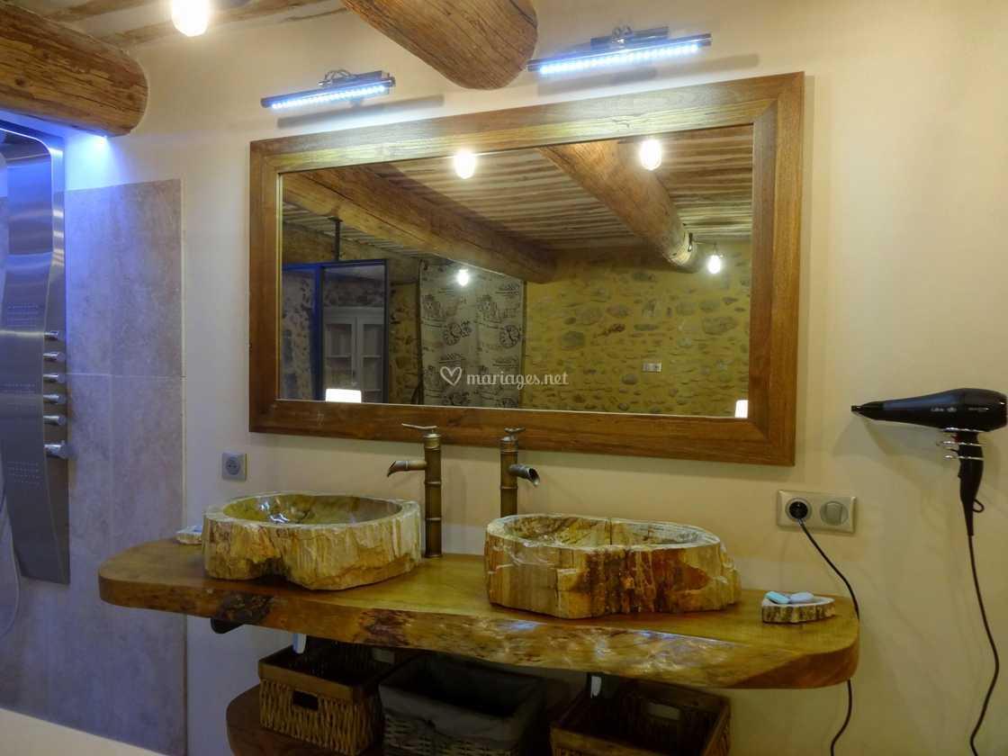 Salle De Bain Provencale salle de bain provençale de mas de l'oratoire | photo 24
