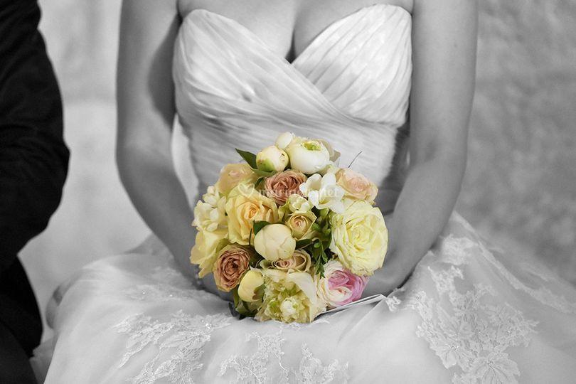 Idées de pose de photo de la mariée seule 19