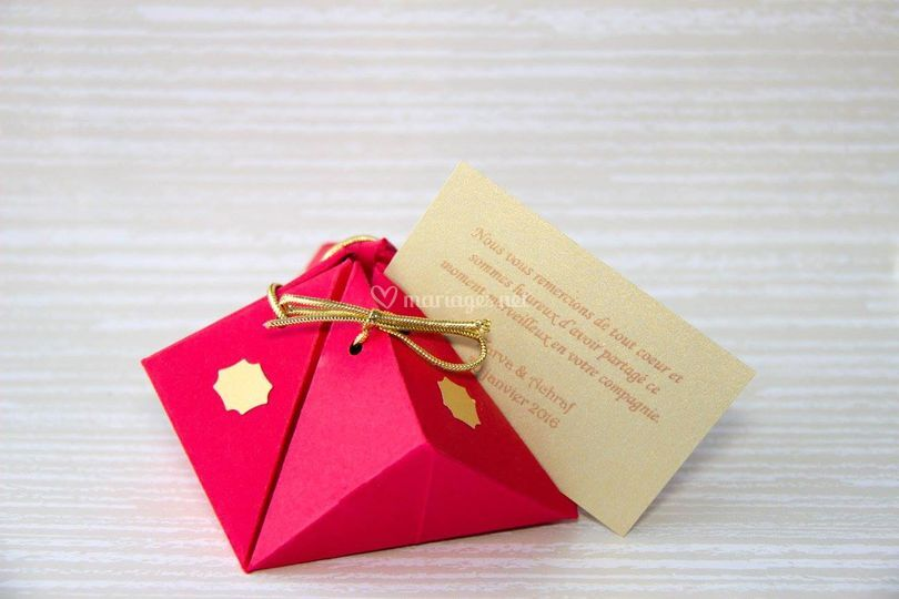 Boîte à dragées rouge/or