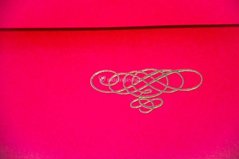 Enveloppe rouge/or