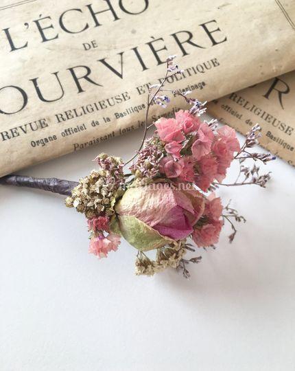 Boutonnière Romance